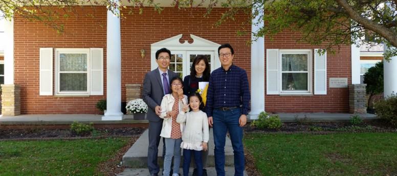 조영철, 채승희(효정, 민전) 집사님 가족